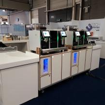 Everrent - 2 x Eversys Pro Zelfbediening espresso machines op meubel - Utech Europe