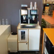 Everrent - Eversys Pro E4m espresso machine op meubel - De Doelen